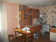 Каменск-Уральский: Продам квартиру ПРОДАМ 2 х комнатную квартиру частично с мебелью и техникой. Хода раздельные, пластиковые окна, с/у совмещен. Кухня-гостиная 22 метра