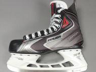 Новые коньки bauer vapor x60 SR(взрослые) 10EE Продам новые полупрофессиональные хоккейные коньки bauer vapor X60 размер 10ЕЕ точил и катался один раз, Красноярск - Спортивный инвентарь