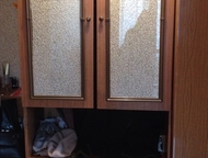 Красноярск: шифоньер с антресолью и шкаф для одежды шифоньер с антресолью 2-х створчатый, полированный, светло-коричневого цвета (размеры:240 и 90 см)- 2 шт в пре
