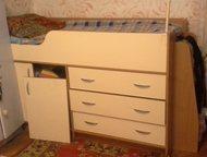 продам кровать-чердак Продается кровать-чердак 180/60 светло бежевого цвета в хорошем состоянии за 6000р. В 5 мин от м. Теплый Стан. Звонить после 12-, Москва - Мебель для детей