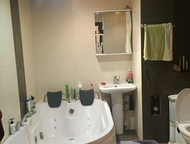 Магнитогорск: Новая квартира с евроремонтом! Продается оригинальная, очень просторная, уютная 2х комнатная квартира 1/10 этаж (высоко). Квартира очень теплая и свет