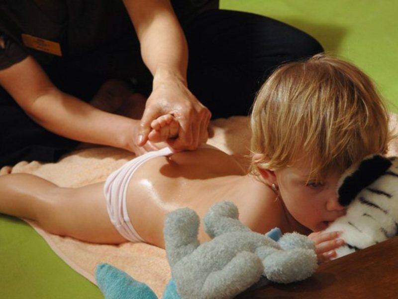 Массаж ребенку от года до двух лет