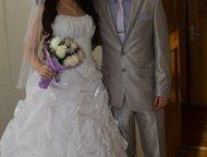 Санкт-Петербург: Продам свадебное платье Продается свадебное платье в отличном состоянии, одевалось один раз, покупалось в магазине новое. В подарок отдам фату и крино