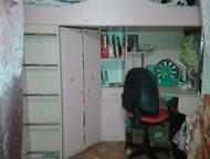 Продам кровать-чердак продам кровать-чердак в отличном состоянии, большой шкаф, ортопедический матрац. Цвет розовый., Тольятти - Детская мебель